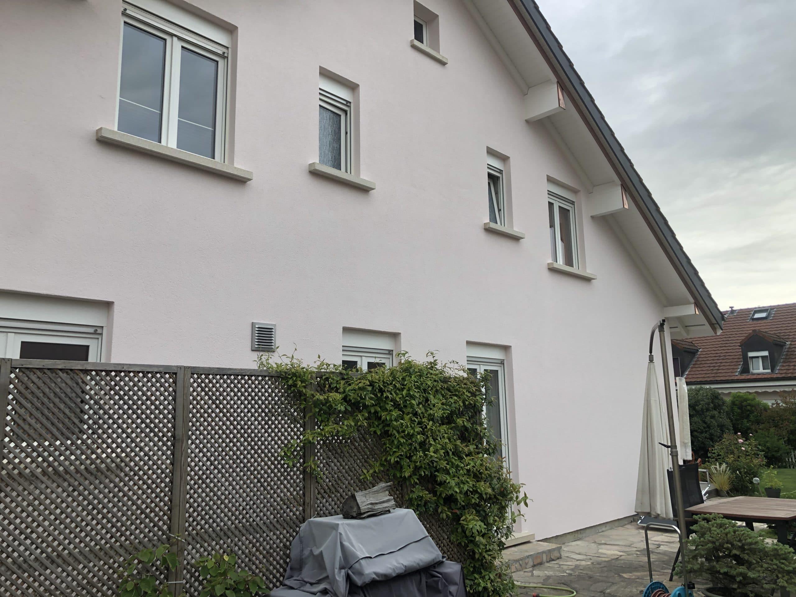 Travaux de peinture terminés sur murs et boiseries
