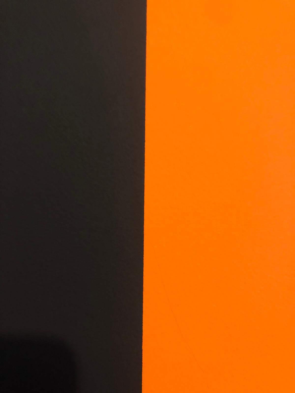 La délimitation entre 2 couleurs sur un mur en crépi doit être parfaitement nette et sans bavures
